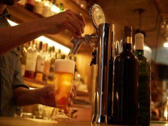 バー-ビール