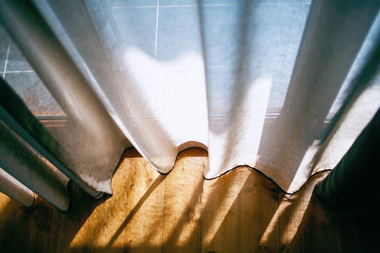 カーテンの長さが合わない時の対処方法